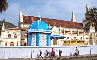http://www.india-travel-agents.com/india-tours/gifs/cochin-santa-cruz-basilica.jpg